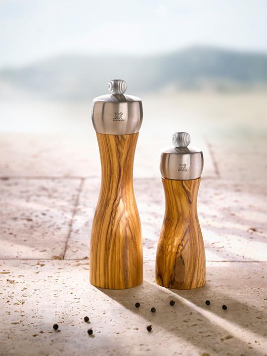 Olive Wood Peugeot 33804 Classic Fidji Pepper Mill 15 cm