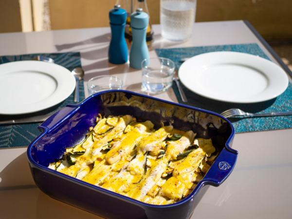 Filets de carrelet et petits légumes au four