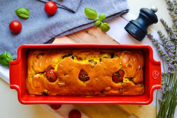 Cake salé aux aubergines, fêta et tomates cerises