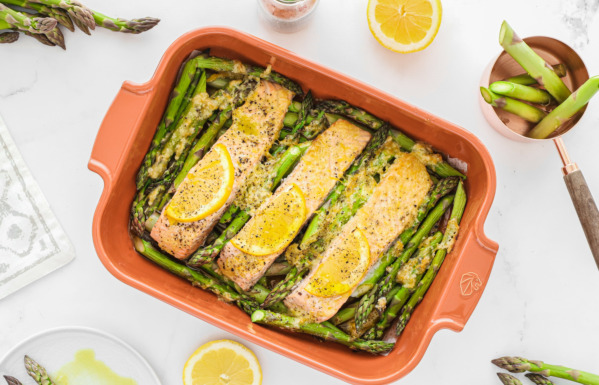 Salmon with asparagus and parmesan