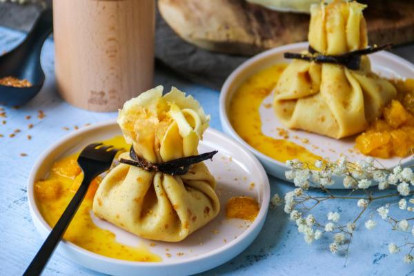 Aumônières gourmandes garnies à la mangue, vanille et graines de lin