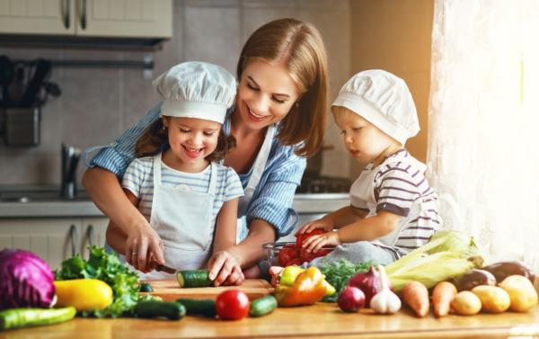 Fête des Mères 2021 : idées cadeaux pour les mamans passionnées de cuisine