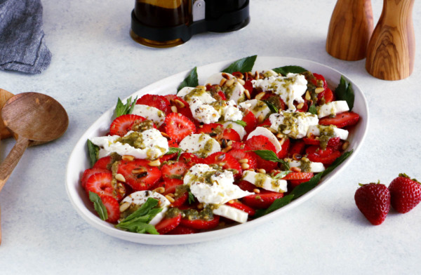 Strawberry Burrata Salad with Mint Pesto